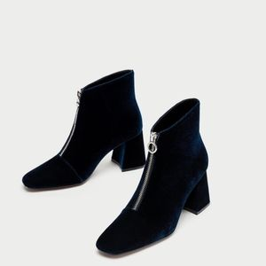ZARA CHUNKY HIGH HEEL ANKLE BOOTS WITH ZIP sz 37